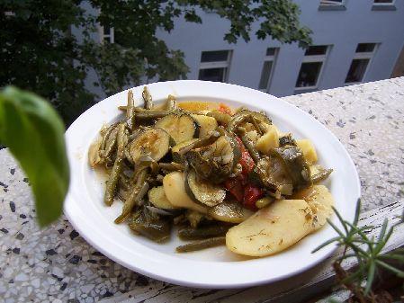 Zucchini-Bohnen-Wilder Dill-Kartoffel-Auflauf