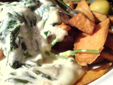 famoses fast food a la saison baerlauch in schafskaese zu frittierten suesskartoffeln