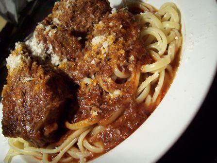 geschmortes Rindfleisch mit Linguini in klein