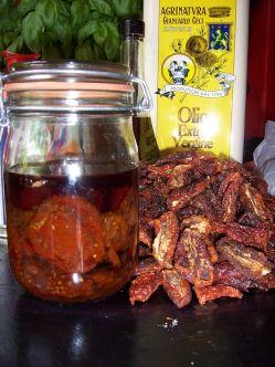 getrocknete und eingelegte Tomaten in Oliven-�l (Bio)