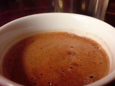 griechischer mokka mit leckerem kaffeeschaum