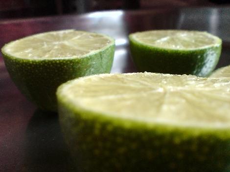 halbe limone drapiert