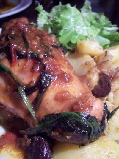 kaninchenkeule mit baerlauch und rosmarin-oliven-kartoffeln