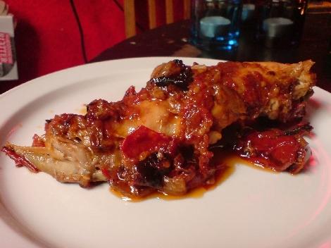 kaninchenschlegel mit salbei und tomatenreiferei