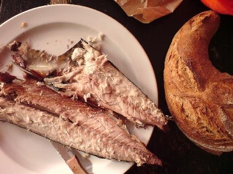 makrele geraeuchert und schon angenascht