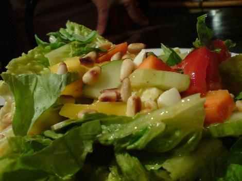 nuss zu salat klassisch