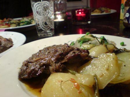 wilder fenchel im zusammenspeil mit kartoffel und zucchini und lamm war auch noch dabei
